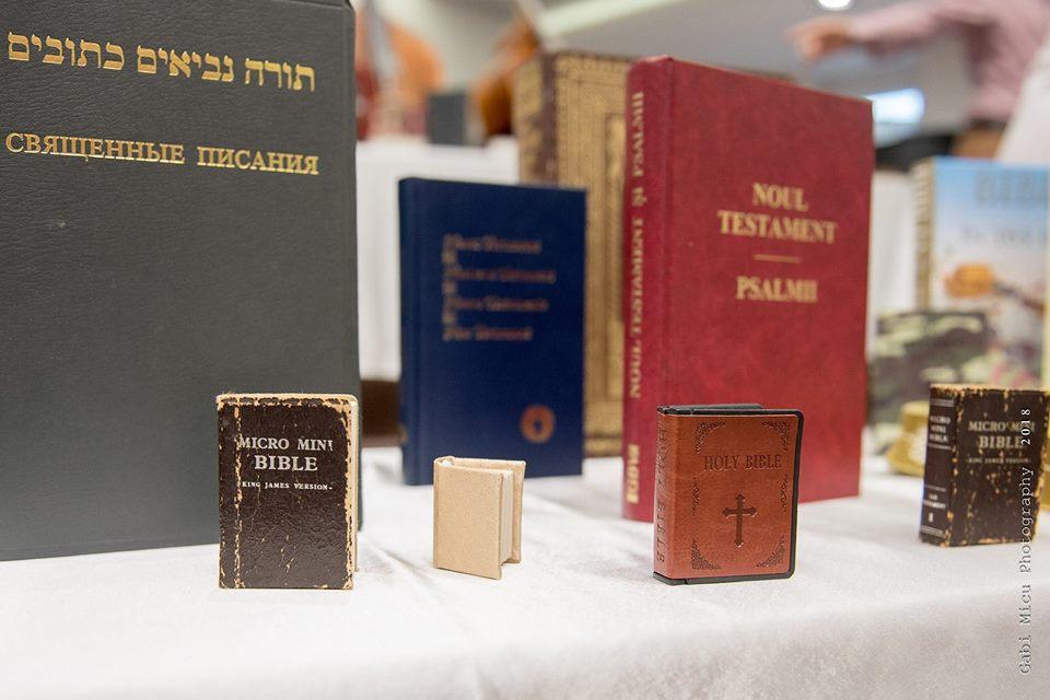 Muzeul Bibliei in romana: In Romania, unde Bibliile se ardeau pe vremea comunismului, acum s-a deschis primul Muzeu al Bibliei