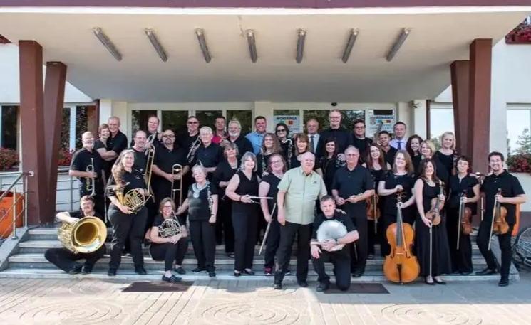 Camp Kirkland şi Celebration Orchestra în România